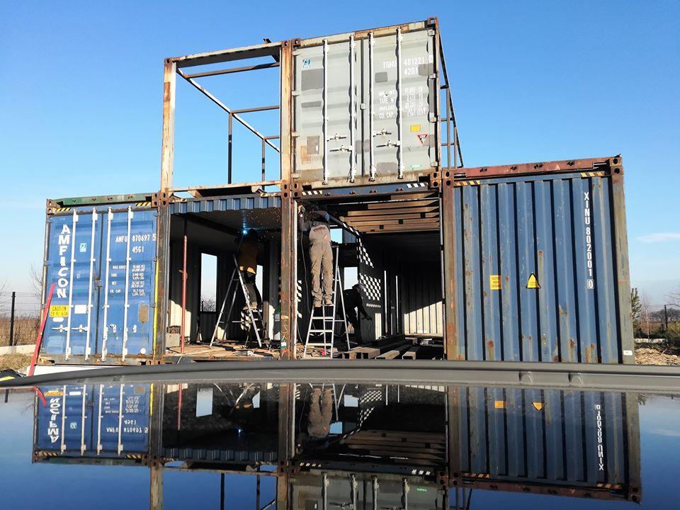 Dom z kontenerów morskich